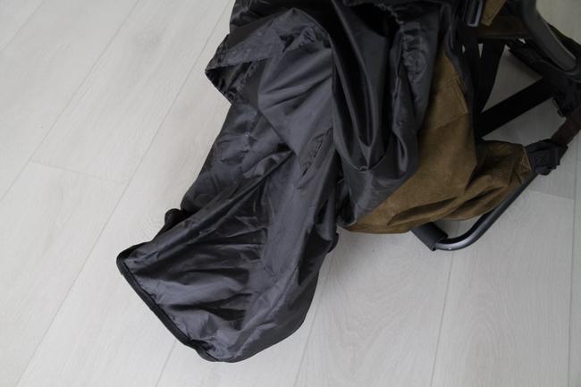 Repussa on myös sisävuori, jonka saa vedettyä ulos