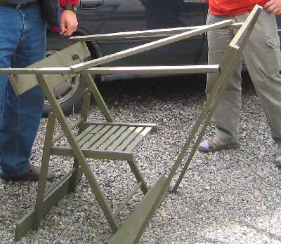 Käytössä oli myös hyvin kevyitä ampumatuellisia kokoontaitettavia tuoleja.